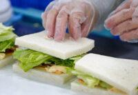 Dla par bez języka oferta pracy w Szwecji od zaraz przy produkcji kanapek w Linköping