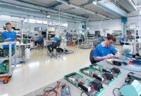 Dla par praca w Czechach od zaraz bez języka produkcja elektroniki fabryka w Kuřim