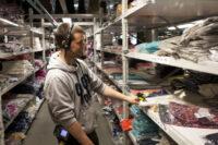 Dla par bez znajomości języka oferta pracy w Holandii od zaraz magazyn odzieży i obuwia w Eindhoven